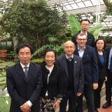 Vice President Chinese Academy of Sciences bezoekt Hortus botanicus Leiden